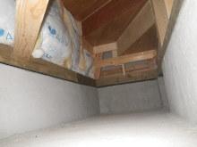 欠陥住宅を調査する建築士のブログ-階段下